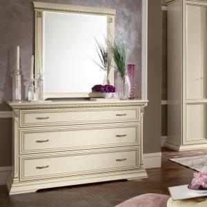 Klassieke witte commode slaapkamer
