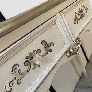 sidetable decoratie detail 132